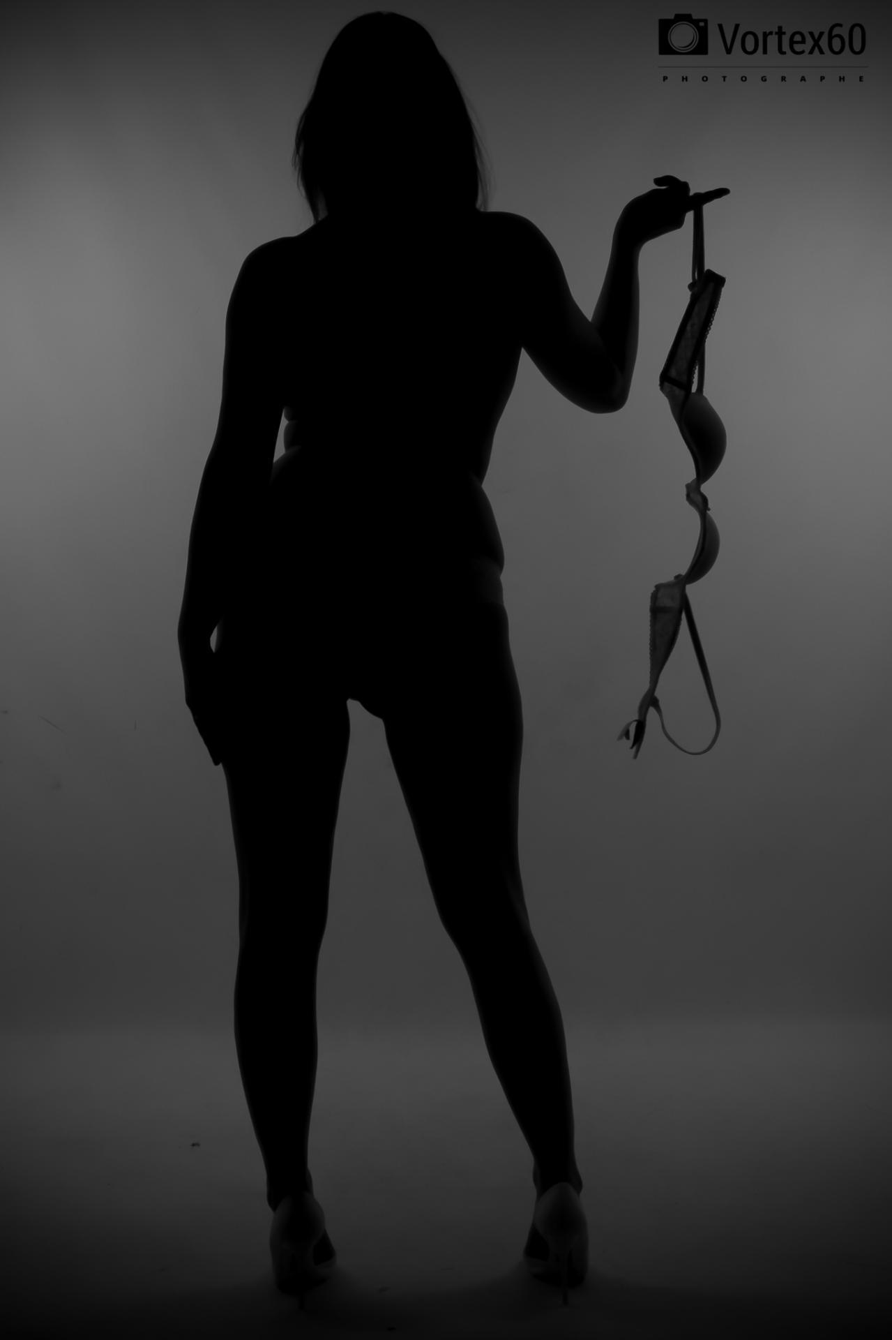 Lingerie de l'ombre a la lumiére by vortex60 photographe