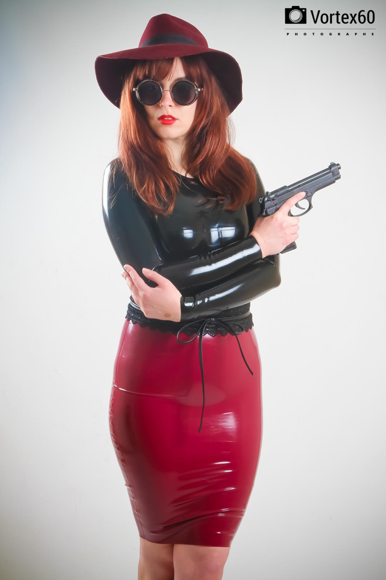 Femmes fatale (girls and guns) by vortex60 photographe